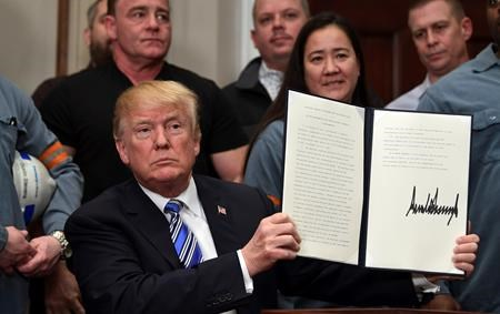 Trump imposes tariffs on steel and aluminium imports